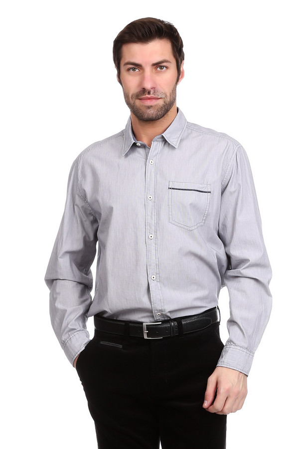 Рубашка с длинным рукавом s.OliverДлинный рукав<br>Строгая мужская рубашка с длинным рукавом s.Oliver стального серого цвета - просто идеальный выбор для создания образа рокового мужчины. Прямой крой, отложной воротничок-стойка, длинный рукав с манжетами на пуговице, аккуратный накладной кармашек на груди - все детали этой модели гармонируют между собой. Модель выполнена полностью из хлопка. Осенью и весной будет наиболее удобной.<br><br>Размер RU: 48-50<br>Пол: Мужской<br>Возраст: Взрослый<br>Материал: хлопок 100%<br>Цвет: Серый