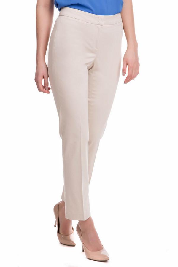 Брюки CambioБрюки<br>Строгие женские брюки Cambio - это именно то, что необходимо для имиджа деловой женщины. Эти брюки кремового цвета отлично сидят на фигуре, и, благодаря простому крою, могут сочетаться с самыми разнообразными жакетами и пиджаками. Доходят до щиколоток. Сзади есть два прорезных кармана. Изготовлены из эластана и хлопка. В летний сезон наиболее актуальны.<br><br>Размер RU: 50<br>Пол: Женский<br>Возраст: Взрослый<br>Материал: эластан 4%, хлопок 96%<br>Цвет: Бежевый