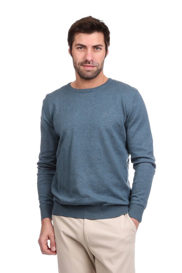 Джемпер Tom TailorДжемперы<br>Практичный мужской синий джемпер Tom Tailor будет уместен в гардеробе любого мужчины. Это свитер для повседневной носки, и именно в ней он особенно удобен. Покрой немного мешковатый, длинные рукава и низ свитера завершены широкой резинкой. В состав изделия входит чистый хлопок. Осенью или весной такой джемпер будет наиболее комфортным.<br><br>Размер RU: 46-48<br>Пол: Мужской<br>Возраст: Взрослый<br>Материал: хлопок 100%<br>Цвет: Синий