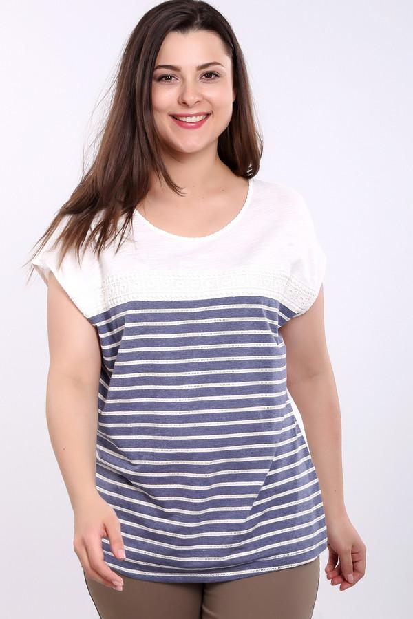 Футболка Via AppiaФутболки<br>Повседневная женская футболка Via Appia, сочетающая темно-синий и белый цвета. Основной фон футболки белый и только спереди есть синие горизонтальные полосы. Короткий рукав-летучая мышь и прямой крой делают ее идеальной для любого типа фигуры. В состав изделия входит чистый хлопок. В летний сезон такая одежда наиболее актуальна.<br><br>Размер RU: 58<br>Пол: Женский<br>Возраст: Взрослый<br>Материал: хлопок 100%<br>Цвет: Синий
