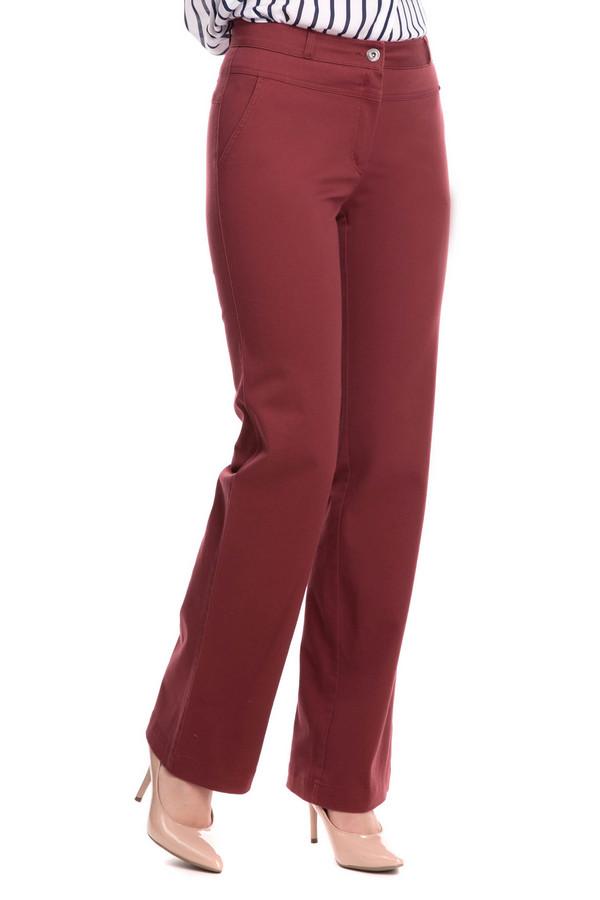 Брюки FemmeБрюки<br>Хотите быть яркой? Эти брюки от Femme вам точно помогут. Насыщенный бордовый цвет выделит вас из толпы, а удачная модель кроя подчеркнет все ваши достоинства. Брюки имеют среднюю посадку, они свободного кроя, слегка расклешенные к низу. Спереди есть два кармана, сзади есть дополнительное украшение в виде декоративного кармана. Данные брюки будут отлично сочетаться как с вещами в стиле casual, так и с классическим стилем. Состав изделия - 97% хлопок, 3% эластан.<br><br>Размер RU: 42<br>Пол: Женский<br>Возраст: Взрослый<br>Материал: эластан 3%, хлопок 97%<br>Цвет: Бордовый
