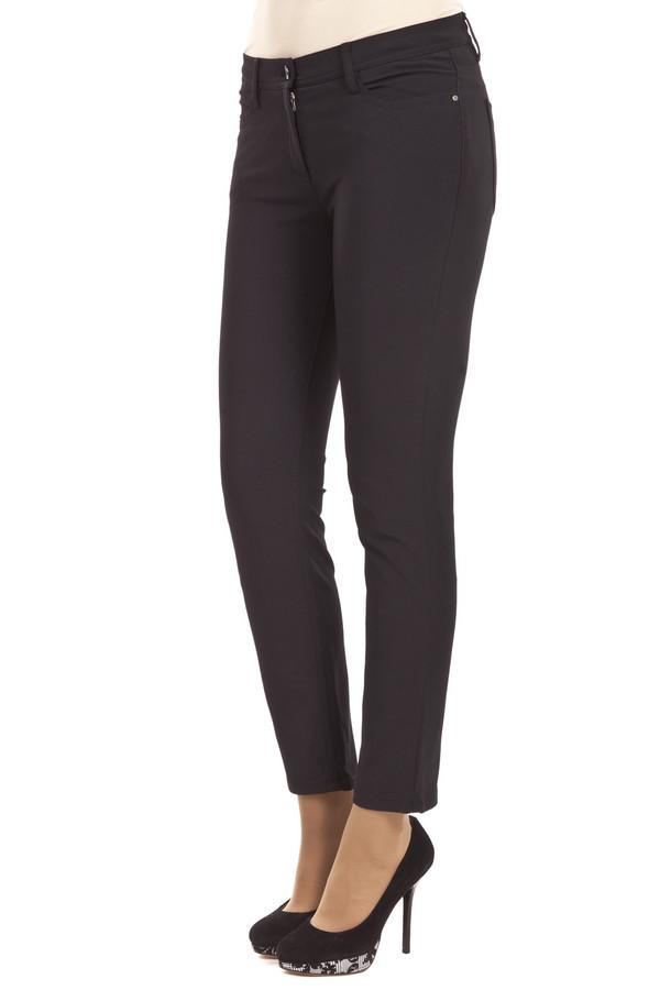 Брюки BraxБрюки<br>Женские брюки классического черного цвета от бренда Brax прямого кроя. Изделие дополнено: поясом с шлевками для ремня, четырьмя карманами и застежкой-молния с пуговицей.<br><br>Размер RU: 46<br>Пол: Женский<br>Возраст: Взрослый<br>Материал: эластан 5%, полиамид 47%, хлопок 48%<br>Цвет: Чёрный