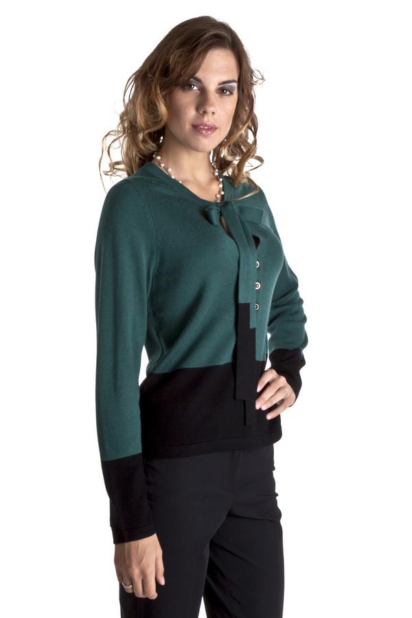 Пуловер PezzoПуловеры<br>Элегантный пуловер Pezzo представлен в двух модных цветах, изумрудный и цикламен. Изделие дополнено: v-образным вырезом с планкой на пуговицах и завязками в виде банта. Манжеты, завязки и нижний кант оформлены черной широкой полосой.<br><br>Размер RU: 44<br>Пол: Женский<br>Возраст: Взрослый<br>Материал: вискоза 75%, шерсть 25%<br>Цвет: Чёрный