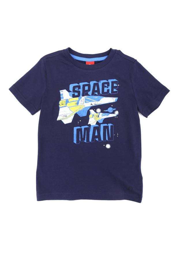 """Футболки и поло s.OliverФутболки и поло<br>Детская футболка для мальчиков от s.Oliver поможет ребенку почувствовать себя настоящим супергероем. Футболка выполнена в темно-синем цвете. Длина - средняя, рукава - короткие. Футболка спереди дополнительно украшена надписью """"Space man"""" и принтом с изображением звездолета. Такая футболка отлично подойдет для носки летом под шорты или джинсы. Состав - 100% хлопок.<br><br>Размер RU: 28;104-110<br>Пол: Мужской<br>Возраст: Детский<br>Материал: хлопок 100%<br>Цвет: Синий"""