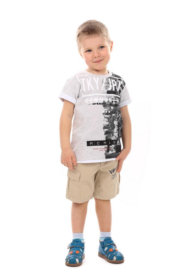 Футболка BrumsФутболки<br>Детская футболка для мальчиков от Brums. Эта футболка сделана в сером цвете. Изделие свободное, не облегает, средней длины. Рукава короткие. На передней части футболки есть рисунки и надписи белого и черного цветов. Такую футболку можно носить под шорты или джинсы в любое время года. Состав - 100% хлопок<br><br>Размер RU: 30;116<br>Пол: Мужской<br>Возраст: Детский<br>Материал: хлопок 100%<br>Цвет: Серый