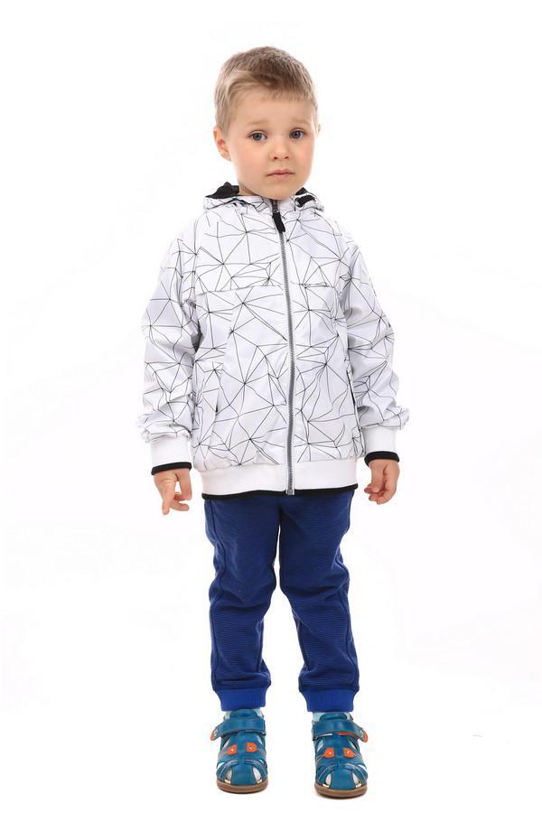 Куртка BrumsКуртки<br>Детская куртка для мальчиков от Brums. Куртка белого цвета с черный узоров в виде разнообразных треугольников. Изделие средней длины, рукава длинные. Застегивается спереди на молнию. Есть капюшон. Спереди есть два кармана, которые застегиваются на молнию. Сзади есть горизонтальная декоративная молния. Есть подкладка. Куртка демисезонная - рекомендуется носить осенью или весной во время прохладной погоды. Состав изделия - 100% полиэстер. Состав подкладки - 100% хлопок.<br><br>Размер RU: 28;104<br>Пол: Мужской<br>Возраст: Детский<br>Материал: полиэстер 100%, Состав_подкладка хлопок 100%<br>Цвет: Разноцветный