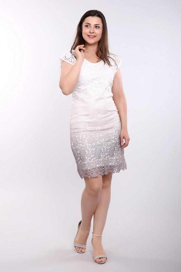 Платье Betty BarclayПлатья<br>Платье белого цвета фирмы Betty Barclay. Ткань состоит из 100% полиэстера. Модель выполнена прямым покроем. Платье дополнено V - образным вырезом, рукава крылышки. Изделие сшито из ажурного полотна. Хорошая посадка по фигуре. В летнее время года подарит ощущение комфорта.