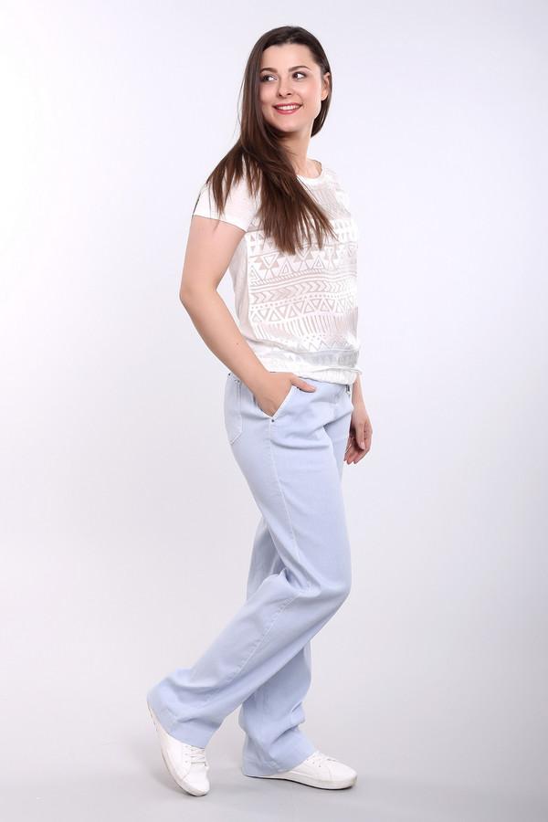 Брюки GardeurБрюки<br>Брюки Gardeur женские голубые. Эта модель прямого кроя с поясом-завязкой очень стройнит свою обладательницу. Накладные карманы сзади делают акцент на этой аппетитной части женского тела. Состав: эластан, лен, лиоцел. На лето лучше брюк, чем эти, вам не найти! Можно носить под каблук или под обувь на танкетке или мокасины, слипоны.<br><br>Размер RU: 42<br>Пол: Женский<br>Возраст: Взрослый<br>Материал: эластан 2%, лен 60%, лиоцел 38%<br>Цвет: Голубой