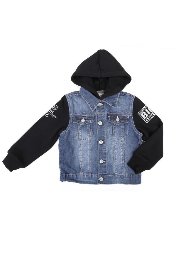 Куртка BrumsКуртки<br>Куртка Brums черно-голубая. Сочетание джинсовой ткани и трикотажа выглядит очень стильно – маленькому моднику это изделие наверняка придется по душе. К тому же удобный и актуальный капюшон поможет мальчику быть в тренде. Демисезонное изделие для прохладной погоды весной и осенью. Застежка на кнопках, удобные накладные нагрудные карманы.<br><br>Размер RU: 30;116-122<br>Пол: Мужской<br>Возраст: Детский<br>Материал: см. на вшивном ярлыке 0%<br>Цвет: Чёрный