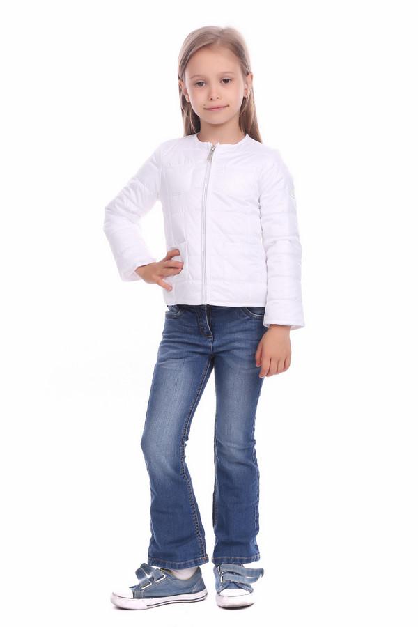 Куртка BrumsКуртки<br>Куртка Brums белая для девочки. Может, это и не самая практичная вещь нашей коллекции, но наверняка одна из самых восхитительных. Белый цвет этой простеганной курточки неизменно привлекает восхищенные взгляды! Демисезонное изделие снабжено удобной молнией. Отменный выбор для начинающей модницы.<br><br>Размер RU: 30;116<br>Пол: Женский<br>Возраст: Детский<br>Материал: см. на вшивном ярлыке 0%<br>Цвет: Белый