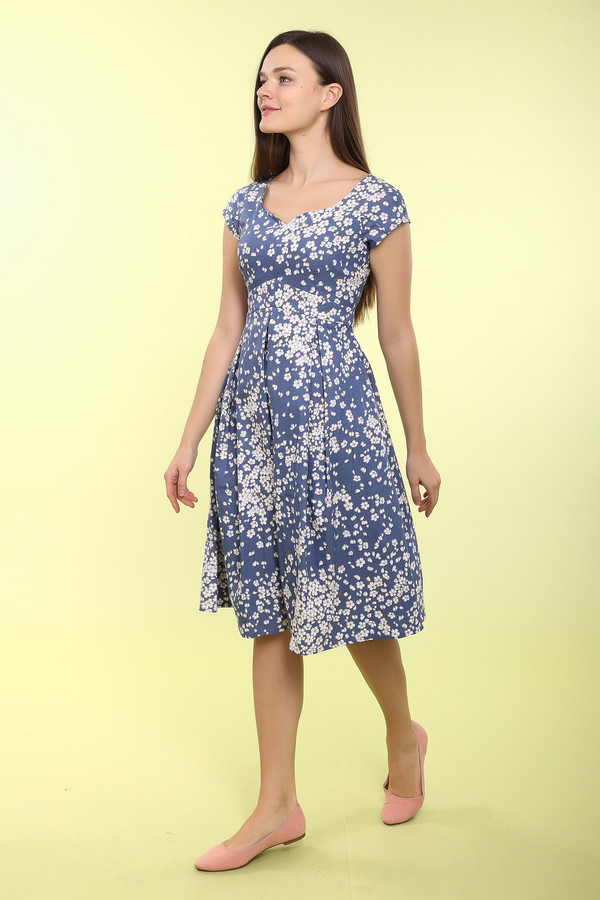 Платье ArgentПлатья<br>Платье Argent бело-голубое. Милая модель с мелким рисунком цветущих деревьев. Кроме того, у этого изделия восхитительный крой, который вы, несомненно, оцените по достоинству. Необычная кокетка и фантазийный вырез горловины вместе с красиво ниспадающим низом платья создают волшебный и очень притягательный образ. Состав: хлопок и лайкра.<br><br>Размер RU: 50<br>Пол: Женский<br>Возраст: Взрослый<br>Материал: хлопок 95%, лайкра 5%<br>Цвет: Белый