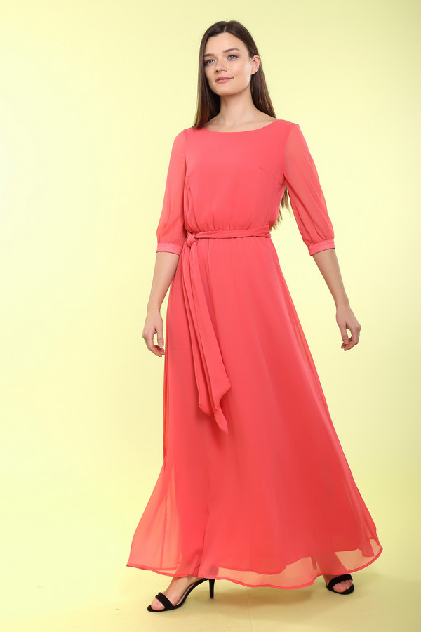 Длинное платье ArgentДлинные платья<br>Длинное платье Argent красное. Этот цвет бывает не только страстным, но еще и нежным и чувственным, что подтверждает эта волшебная модель прекрасного оттенка. Струящаяся ткань красив ниспадает по женской фигуре. Состав: 100%-ный купро. Рукав длиной до локтя и симпатичный пояс – еще достоинства в копилку данной модели.<br><br>Размер RU: 44<br>Пол: Женский<br>Возраст: Взрослый<br>Материал: купро 100%<br>Цвет: Красный