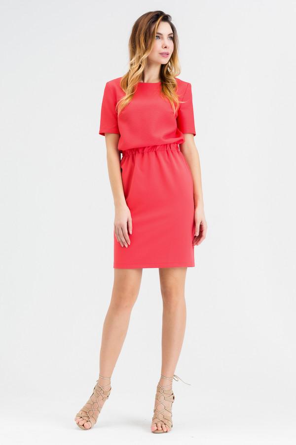 Платье XARIZMASПлатья<br><br><br>Размер RU: 46<br>Пол: Женский<br>Возраст: Взрослый<br>Материал: эластан 5%, полиэстер 40%, хлопок 55%<br>Цвет: Красный
