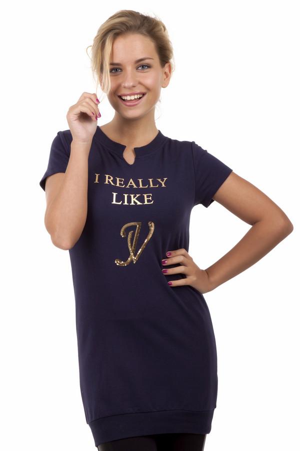 Футболка Just ValeriФутболки<br>Длинная женская темно-синяя футболка Just Valeri облегающего кроя. Изделие дополнено: круглым вырезом и короткими рукавами. Футболка декорирована надписью с золотыми буквами и пайетками.<br><br>Размер RU: 40<br>Пол: Женский<br>Возраст: Взрослый<br>Материал: хлопок 95%, спандекс 5%<br>Цвет: Синий