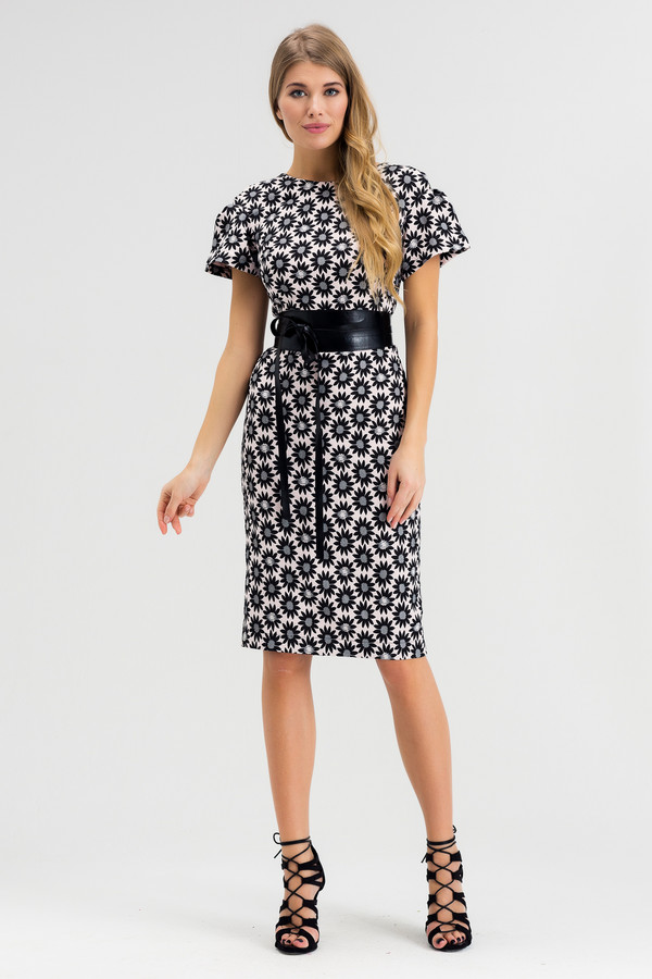 Платье XARIZMASПлатья<br><br><br>Размер RU: 48<br>Пол: Женский<br>Возраст: Взрослый<br>Материал: полиэстер 65%, вискоза 35%<br>Цвет: Белый