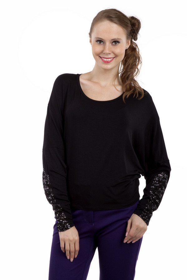 Блузa PezzoБлузы<br>Оригинальная однотонная блуза Pezzo прямого кроя представлена в двух цветах, черный и темно-фиолетовый. Изделие дополнено круглым вырезом и рукавами-летучая мышь. Манжеты оформлены пайетками.<br><br>Размер RU: 46<br>Пол: Женский<br>Возраст: Взрослый<br>Материал: вискоза 95%, спандекс 5%<br>Цвет: Чёрный