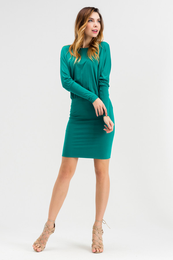 Платье XARIZMASПлатья<br><br><br>Размер RU: 44<br>Пол: Женский<br>Возраст: Взрослый<br>Материал: эластан 5%, вискоза 95%<br>Цвет: Зелёный