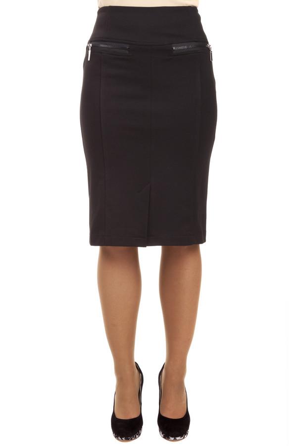 Юбка PezzoЮбки<br>Классическая черная юбка-миди Pezzo прямого кроя. Изделие дополнено: двумя карманами на молнии, шлицем и скрытой застежкой-молния на спинке.<br><br>Размер RU: 48<br>Пол: Женский<br>Возраст: Взрослый<br>Материал: полиэстер 70%, вискоза 26%, спандекс 4%<br>Цвет: Чёрный