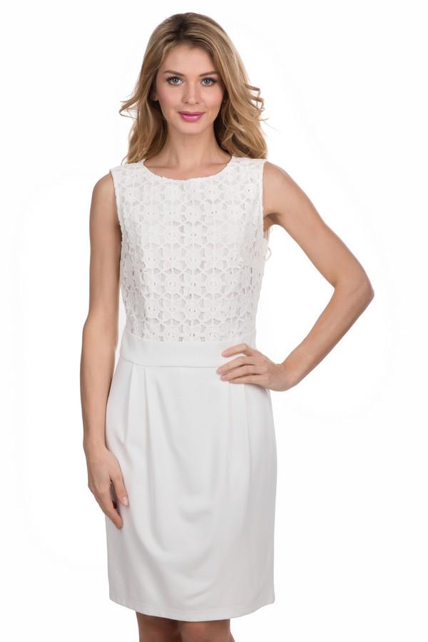 Платье Betty BarclayПлатья<br>Платье Betty Barclay белое. От этой модели так и веет элегантностью. Кокетка данного изделия украшена кружевом, к тому же в этом платье присутствует эффект двойного изделия – его низ напоминает собой юбку с поясом. Состав: эластан, вискоза и полиамид. Это изделие без рукавов выглядит просто превосходно – оно открывает ваши руки и ноги, в то же самое время оставаясь достаточно скромным и сдержанным.<br><br>Размер RU: 42<br>Пол: Женский<br>Возраст: Взрослый<br>Материал: вискоза 70%, эластан 5%, полиамид 25%<br>Цвет: Белый