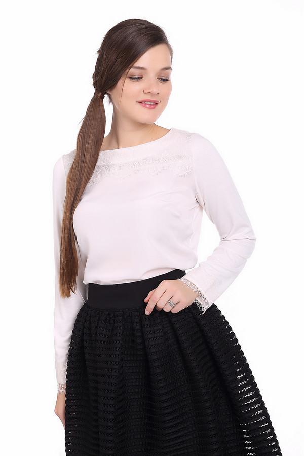 Блузa PezzoБлузы<br>Белая блуза Pezzo прямого кроя. Изделие дополнено круглым вырезом и длинными рукавами. Зона декольте и манжеты декорированы нежными кружевами в цвет изделия.<br><br>Размер RU: 54<br>Пол: Женский<br>Возраст: Взрослый<br>Материал: вискоза 25%, полиэстер 70%, спандекс 5%<br>Цвет: Белый