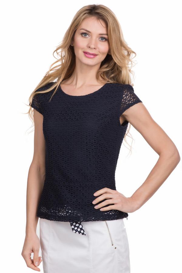 Блузa Betty BarclayБлузы<br>Блуза Betty Barclay черная. Эта вещь примечательна двойным слоем ткани, что препятствует просвечиванию, поэтому такая блузка оптимально подойдет как для офиса, так и для более неформальных мероприятий. В любом случае вы в ней будете совершенно бесподобны – темный цвет стройнит и делает свою обладательницу еще изящнее. Состав: полиэстер и хлопок.<br><br>Размер RU: 48<br>Пол: Женский<br>Возраст: Взрослый<br>Материал: хлопок 35%, полиэстер 65%<br>Цвет: Чёрный
