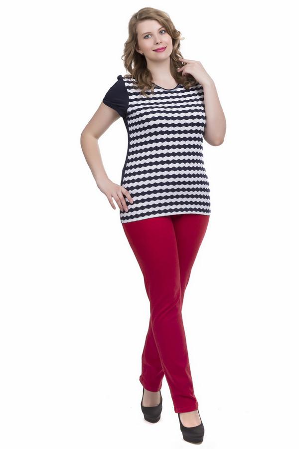 Джинсы Betty BarclayДжинсы<br>Джинсы Betty Barclay красные. Чудесная модель для яркой и стильной дамы. Прямой крой этого изделия подходит любой фигуре, это очень удобно и универсально. Состав: эластан, хлопок и полиэстер. Отменный выбор для тех, кто хочет быть всегда на высоте. С такими брюками будет хорошо скомбинировать более спокойный верх – к примеру, однотонный пуловер.<br><br>Размер RU: 52<br>Пол: Женский<br>Возраст: Взрослый<br>Материал: эластан 4%, хлопок 65%, полиэстер 31%<br>Цвет: Красный