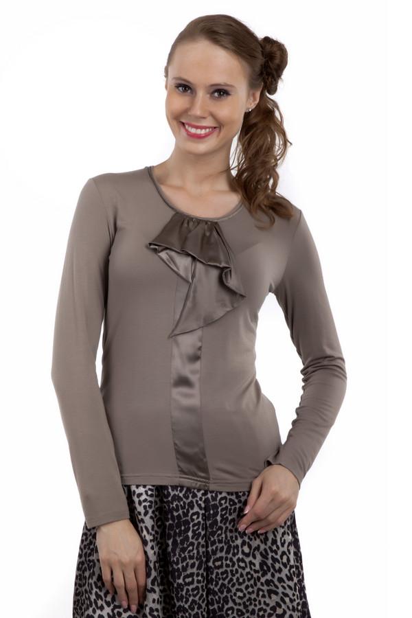 Блузa PezzoБлузы<br>Элегантная блуза Pezzo приталенного кроя представлена в двух цветах, классическом черном и бежевом. Изделие дополнено круглым вырезом и длинными рукавами. Зона декольте оформлена фактурным жабо.<br><br>Размер RU: 50<br>Пол: Женский<br>Возраст: Взрослый<br>Материал: вискоза 95%, спандекс 5%<br>Цвет: Бежевый