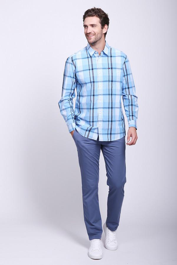 Брюки BraxБрюки<br>Мужские брюки классического прямого покроя, в которых любой мужчина будет смотреться стильно и модно. Синий практичный цвет брюк позволяет комбинировать с ними верх любой расцветки: однотонный или с разноцветным принтом. Такие брюки подойдут в офис на работу или на торжественное мероприятие. Наличие эластана в составе ткани брюк обеспечит идеально удобную посадку.