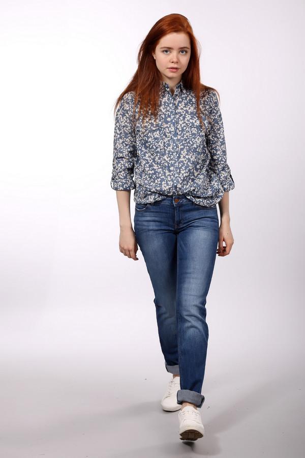 Классические джинсы s.Oliver DENIMКлассические джинсы<br><br><br>Размер RU: 42(L34)<br>Пол: Женский<br>Возраст: Взрослый<br>Материал: эластан 1%, хлопок 99%<br>Цвет: Синий