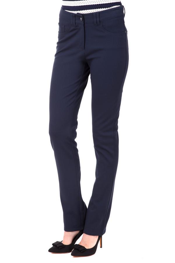 Брюки PezzoБрюки<br>Женские брюки Pezzo темно-синего цвета прямого кроя. Модель дополнена пятью стандартными карманами и шлевками для ремня. Изделие застегивается на молнию и фиксируется на пуговицу.<br><br>Размер RU: 50<br>Пол: Женский<br>Возраст: Взрослый<br>Материал: вискоза 68%, нейлон 26%, спандекс 6%<br>Цвет: Синий