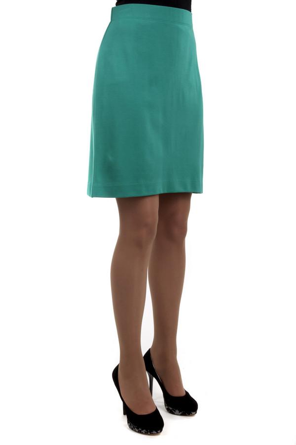 Юбка PezzoЮбки<br>Облегающая юбка Pezzo представлена в двух цветах, темно-синем и зеленом. Изделие дополнено эластичным поясом. Идеально будет смотреться с  жакетом Pezzo .<br><br>Размер RU: 42<br>Пол: Женский<br>Возраст: Взрослый<br>Материал: вискоза 68%, нейлон 26%, спандекс 6%<br>Цвет: Зелёный