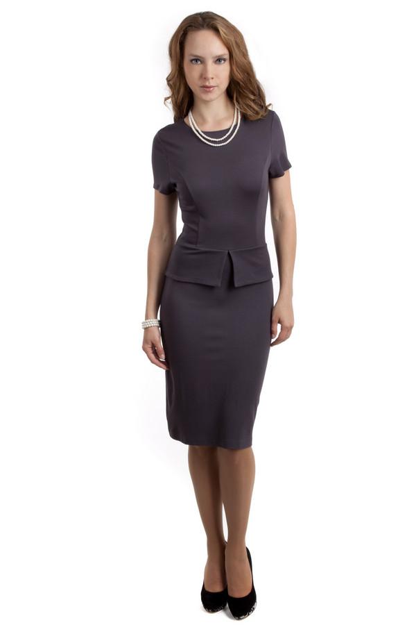 Вечернее платье PezzoВечерние платья<br>Невероятно женственное платье Pezzo представлено в двух цветах, темно-сером и белом. Изделие дополнено: круглым вырезом и короткими рукавами. На талии расположена баска. На спинке расположена скрытая молния. Длина платья-миди.<br><br>Размер RU: 40<br>Пол: Женский<br>Возраст: Взрослый<br>Материал: вискоза 68%, нейлон 26%, спандекс 6%<br>Цвет: Серый