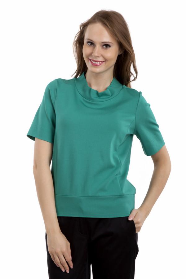 Футболка PezzoФутболки<br>Однотонная футболка Pezzo прямого кроя выполнена в двух цветах, зеленом и темно-фиолетовом. Изделие дополнено: воротником-стойка и короткими рукавами.<br><br>Размер RU: 42<br>Пол: Женский<br>Возраст: Взрослый<br>Материал: вискоза 68%, нейлон 26%, спандекс 6%<br>Цвет: Зелёный