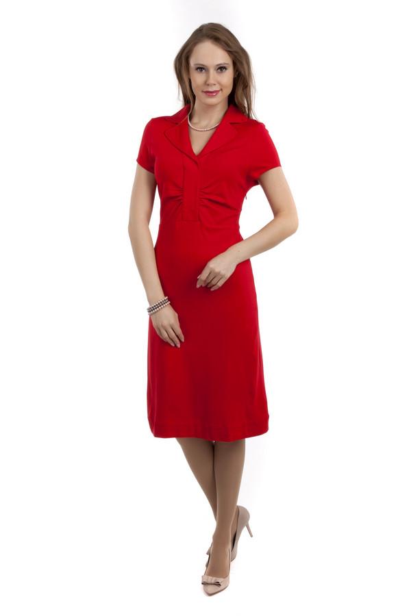 Вечернее платье Just ValeriВечерние платья<br>Элегантное красное платье Just Valeri приталенного кроя. Модель дополнена: английским воротником с отворотом и короткими рукавами. Сбоку изделия расположена скрытая застежка-молния.<br><br>Размер RU: 50<br>Пол: Женский<br>Возраст: Взрослый<br>Материал: вискоза 68%, нейлон 26%, спандекс 6%<br>Цвет: Красный