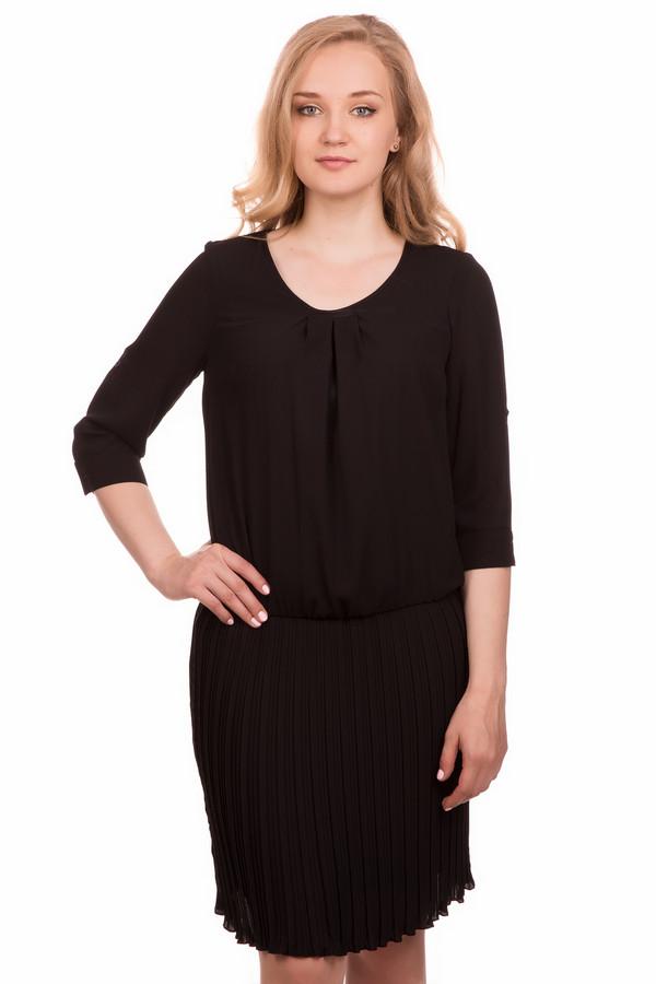 Платье SteilmannПлатья<br><br><br>Размер RU: 42<br>Пол: Женский<br>Возраст: Взрослый<br>Материал: полиэстер 100%<br>Цвет: Чёрный