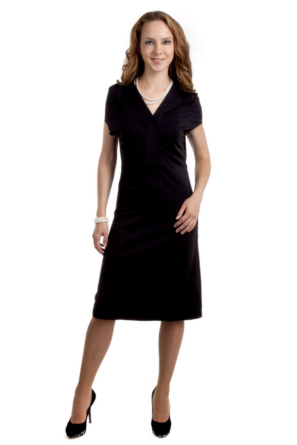 Вечернее платье Just ValeriВечерние платья<br>Элегантное черное платье Just Valeri приталенного кроя. Модель дополнена: английским воротником с отворотом и короткими рукавами. Сбоку изделия расположена скрытая застежка-молния.<br><br>Размер RU: 46<br>Пол: Женский<br>Возраст: Взрослый<br>Материал: вискоза 68%, нейлон 26%, спандекс 6%<br>Цвет: Чёрный
